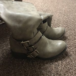 Grey Boots with Buckle